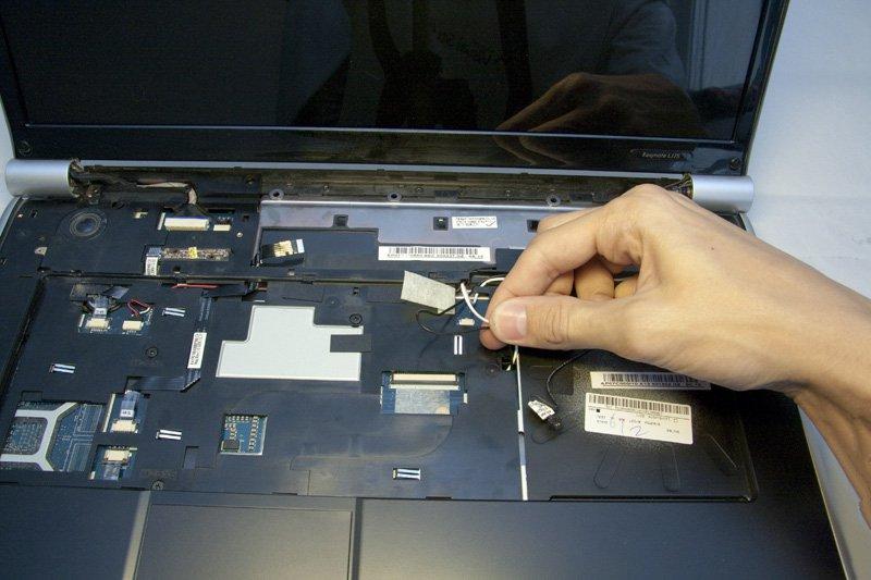 Где у ноутбука находится матрица