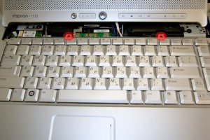 Чистим ноутбук Dell Inspiron 1525