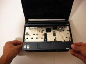 Разбираем ноутбук Acer One ZG5