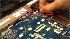 Как разобрать ноутбук Acer Aspire 7560G для чистки и замены термопасты