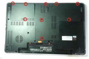 Разбираем и чистим ноутбук Acer Aspire E1-772G