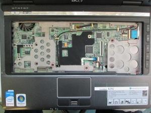 Как разобрать ноутбук Acer TravelMate 6292 для его чистки и замены термопасты
