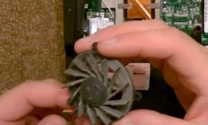 Как разобрать ноутбук Asus F3S для чистки от пыли и замены термопасты в ноутбуке