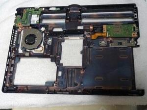 Разбираем ноутбук Fujitsu T902.