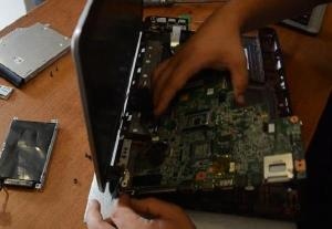 Разбираем ноутбук HP 630 во всех подробностях.