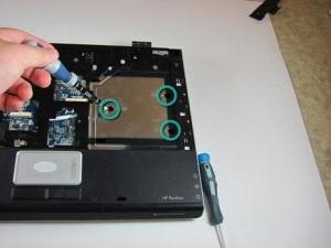 Разбираем ноутбук HP Pavilion dv5000.