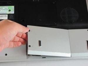 Чистка от пыли ноутбука HP Pavilion dv5000.