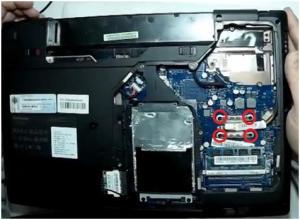 Разборка и чистка ноутбука Lenovo G575.
